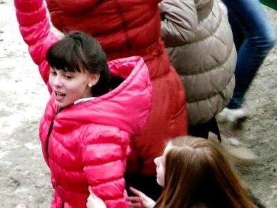 """МБОУ СОШ № 59 г. БРЯНСКА. FLASHMOB """"ПУСТЬ ВСЕГДА БУДЕТ СОЛНЦЕ!.."""" (13.03.2013)"""